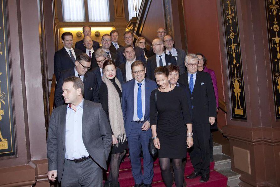 Suurten kaupunkien johtajista moni vierastaa sote-uudistukseen liittyvää maakuntamallia. Suurten C21-kaupunkien johtajat kokoontuivat Tampereelle helmikuussa 2018.