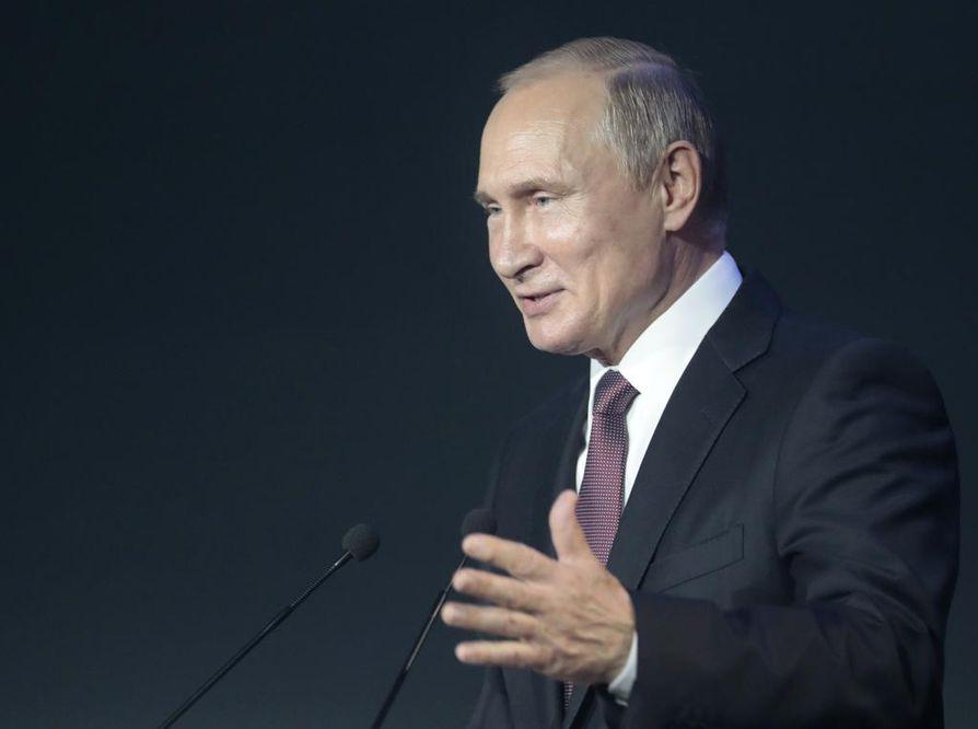 Venäjän presidentti Vladimir Putin tapaa yhdysvaltalaisen virkaveljensä Suomessa ensi maanantaina.