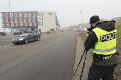 Lapin kautta maahan tulevat turistit työllistävät Pohjois-Norjan poliisia – käännytyksiä päivittäin