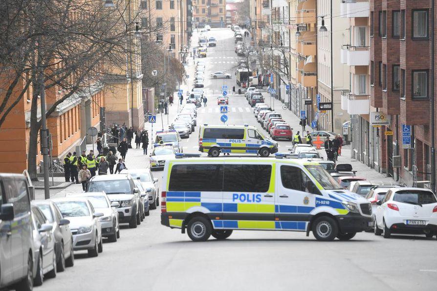 Terroriepäillyn vangitsemisoikeudenkäynti käytiin tiukkojen turvatoimien alaisuudessa.