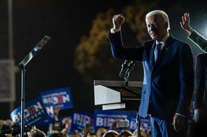 Joe Biden voittamassa Teksasin, Bernie Sanders Kalifornian – Supertiistaissa jännitetään nyt, kuinka suurella marginaalilla kärkikaksikko vie osavaltioiden äänet