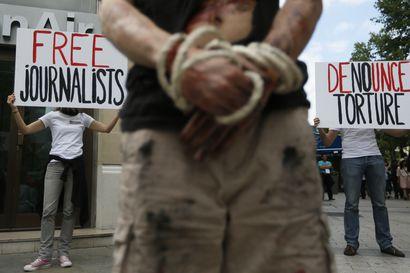 """""""Jos hallitus valehtelee, media painaa valheet sellaisenaan"""" – Iranin turmaviestinnän todenperäisyydestä ei ole mitään takeita"""