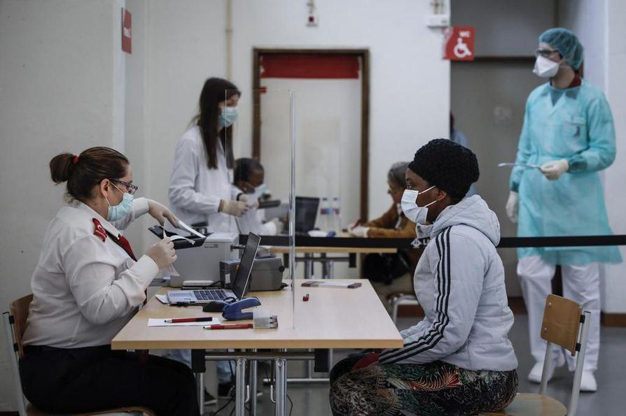 Portugali on julistanut maahan hätätilan, joka kestää 2.4. saakka. Portugalissa on 23 koronavirukseen kuollutta, ja 2 060 varmennettua tautitapausta.