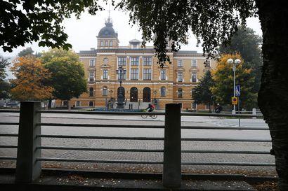 Oulun talous on vakaa, velkakin hallinnassa, mutta näkymissä on sumeutta ja riskejä