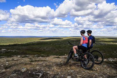 """Maastopyöräilystä on tullut uusi Lapin matkailun valttikortti – """"Kukastunturin voi valloittaa, vaikka ei olisi aiempaa maastopyöräilykokemusta"""""""