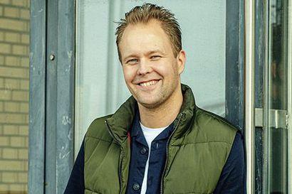 Putous-tähti Dennis Nylund palaa Oulun muistoihin Kotiseuturakkaudella-podcastissa