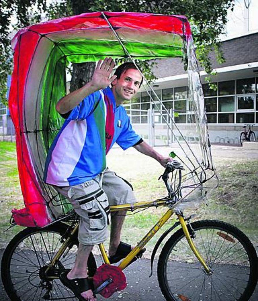 Maailmanmestaruus innoitti Jerome Merlan tekemään pyöräänsä kuomun, jossa on Italian värit.