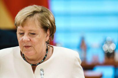Saksalaislehti: Liittokansleri Angela Merkel vieraili myrkytyksestä toipuvan Navalnyin luona berliiniläissairaalassa
