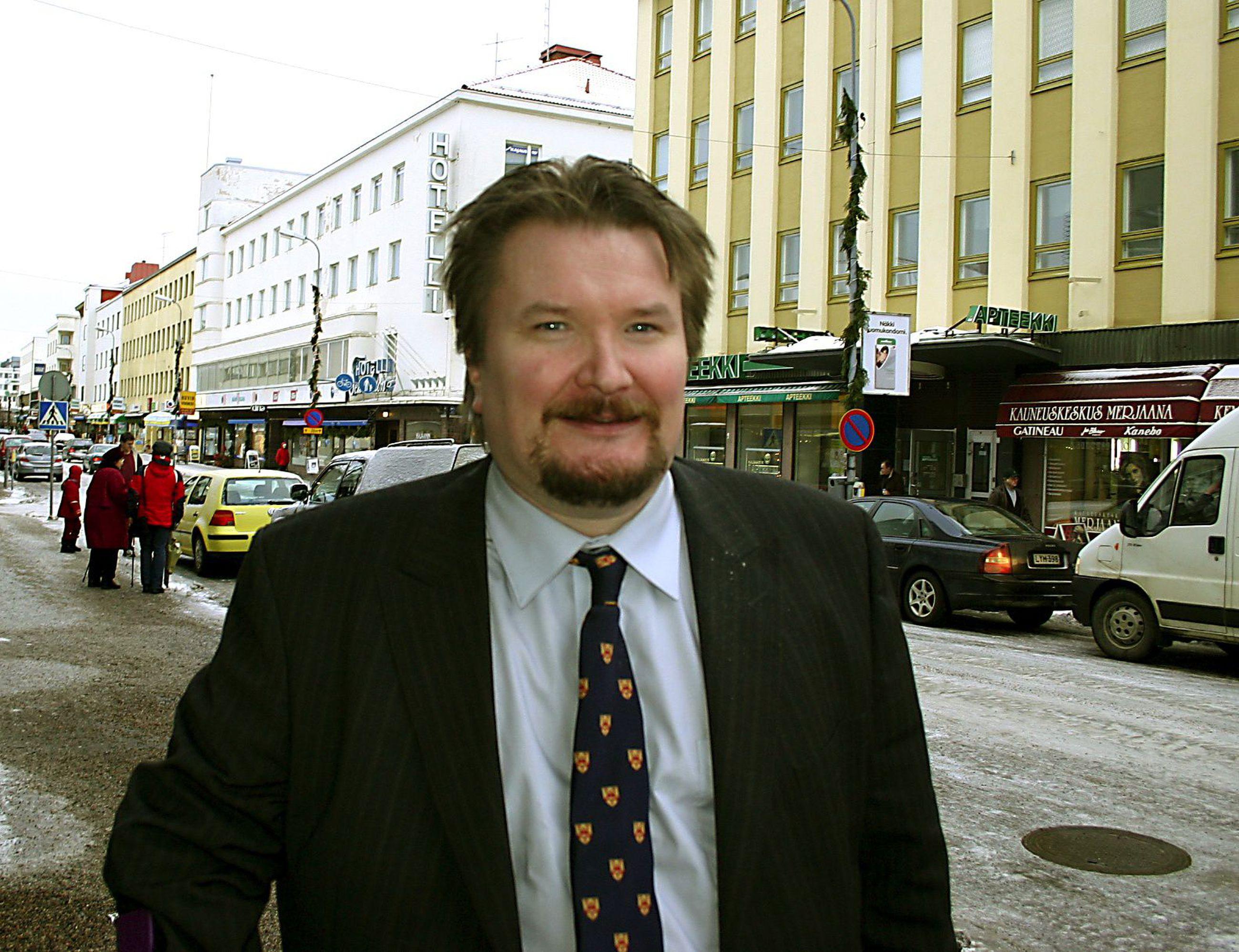 Dosentti Arto Luukkanen
