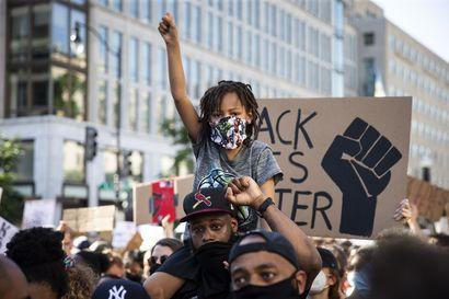 Rasisminvastaiset mielenosoitukset rauhoittuivat viikonloppuna Yhdysvalloissa – kansalliskaarti aikoo poistua Washingtonista