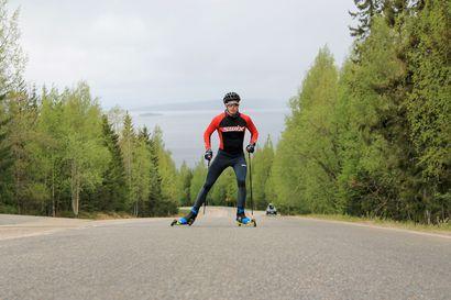 Nuori hiihtäjälupaus ei mieti liikoja paineita – maailmanmestari Niilo Moilanen oli aiemmin kovempi jännittäjä