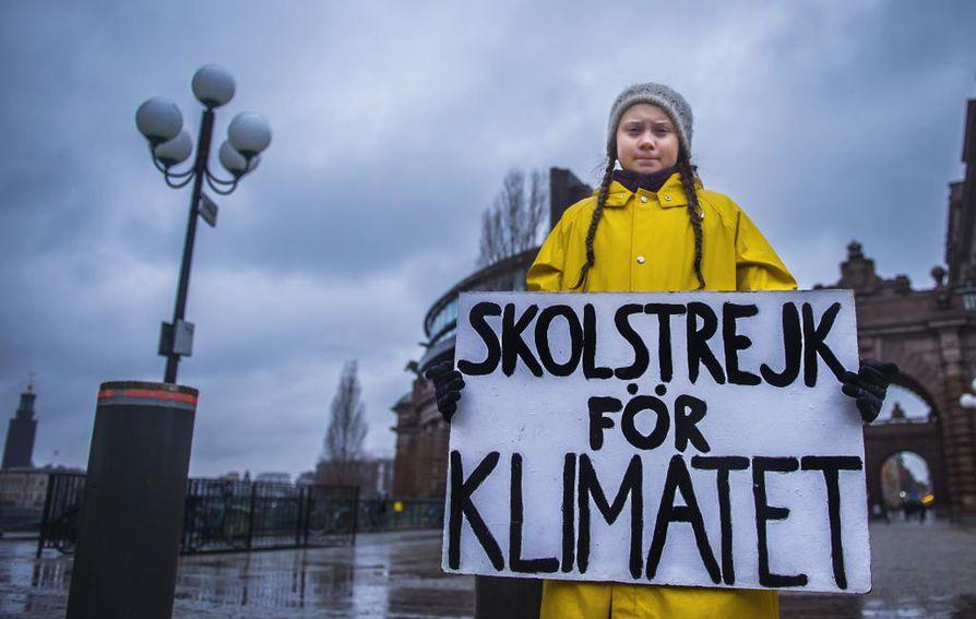 Greta Thunberg aloitti koululakkoilun ilmaston puolesta 15-vuotiaana elokuussa 2018. Jo marraskuussa perjantainen lakkoliike oli levinnyt eri puolille Ruotsia sekä ulkomaille.