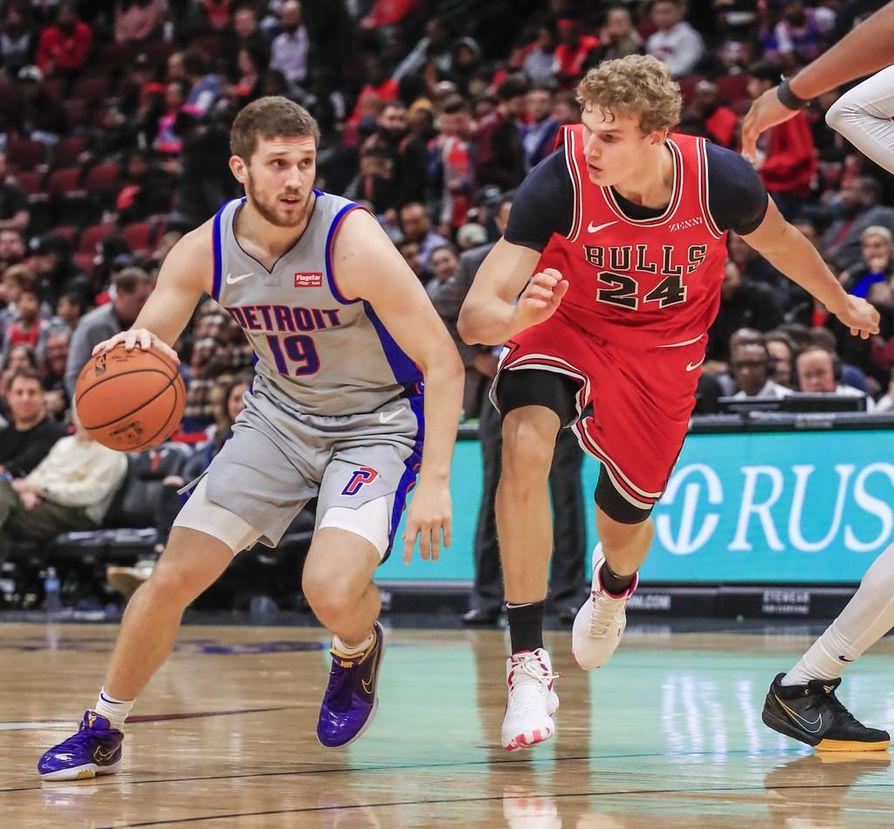 Lauri Markkasen (oik.) alkukausi NBA:ssa on ollut vaikea. Edellisessä ottelussa Detroit Pistonsia vastaan nähtiin pilkahdus kurssin kääntymisestä.
