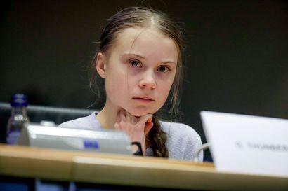 Ilmastoaktivisti Greta Thunberg: Maailma on tuhlannut kaksi vuotta reagoimatta ilmastohätätilaan