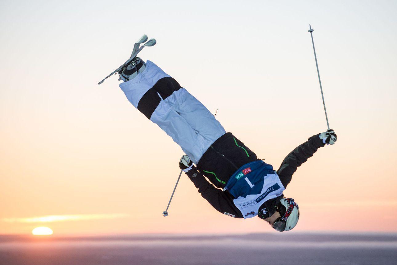 Mikael Kingsbury ei kilpaile Rukan kumpareissa – mursi harjoituksissa kaksi selkänikamaa