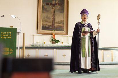 """Kuusamossa juhlittiin kirkon 70-vuotista taivalta – """"Juhla yhtä ihana kuin sääkin"""""""