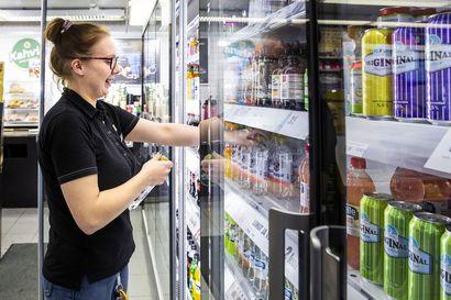 R-kioski sulkee jälleen kolme myymälää Lapista: yhden Kemistä ja kaksi Rovaniemeltä – ketju yrittää muuttaa kioskeja peliluolista kahviloiksi