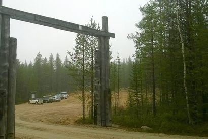 Saukkovaaran tie Korouomaan korjattiin - Viisi metriä leveälle tielle ajetaan murskettayhteensä 8000 tonnia eli 200 kuorma-auton täysperävaunullista