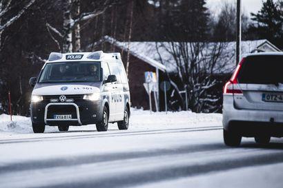 Rattijuoppo pakeni poliisia kovalla ylinopeudella Rovaniemellä – pysähtyi vasta ulosajoon