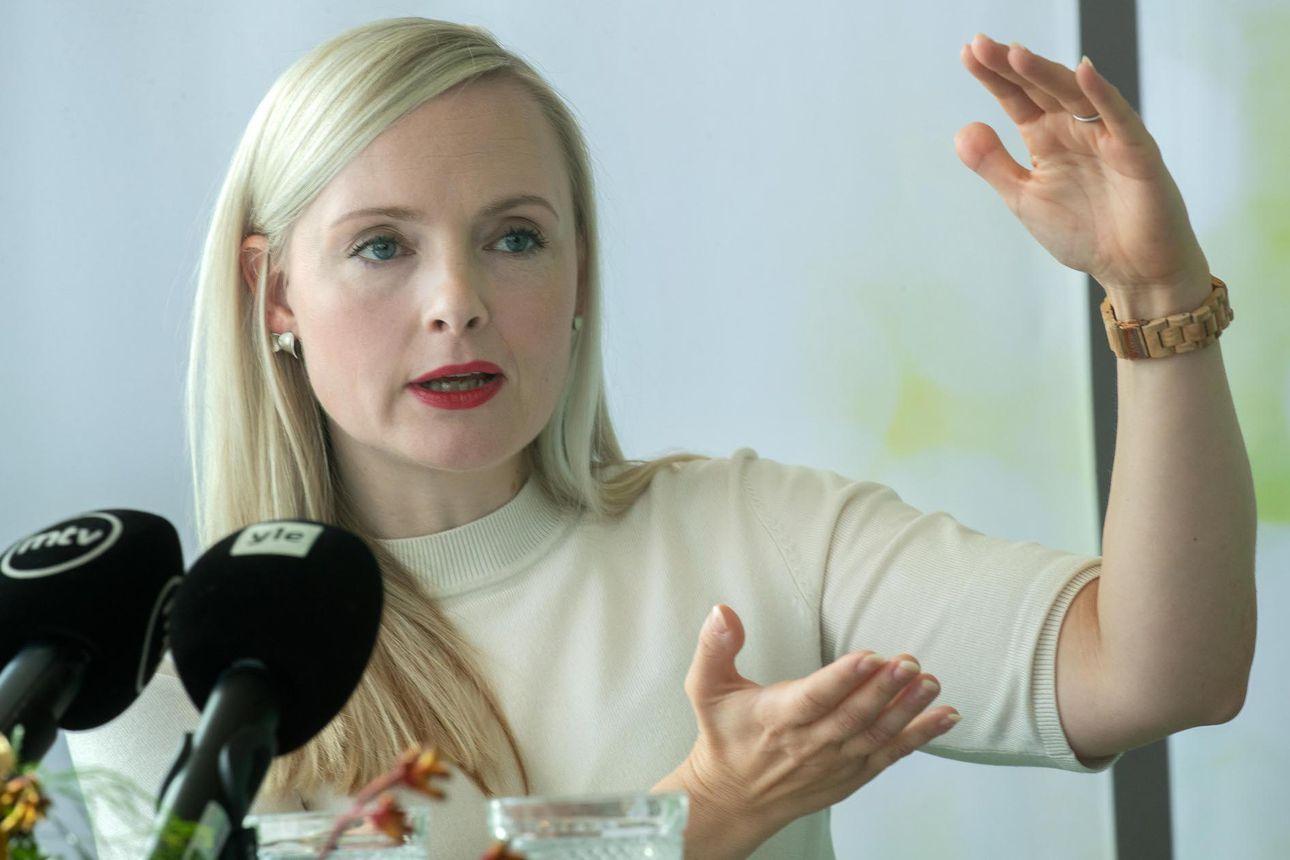 Sisäministeri Ohisalo ymmärtää kuntien veronkorotusaikeita – yöjunia Kainuuseen ja Tornion kautta Ruotsiin aiotaan tukea