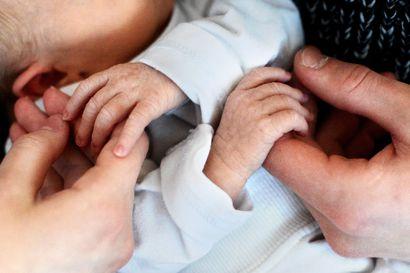 Kuusamo ja Posio tarjoavat apua vauvaperheille, mutta Taivalkoskea paremmaksi ne eivät pane - kummassakin periaatteena on silti matala kynnys