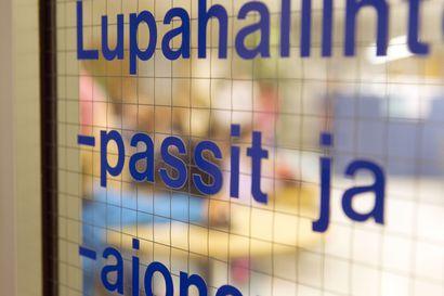 Passeja uusitaan nyt vilkkaasti Oulussa – Kysyimme Oulun poliisilaitokselta, vieläkö passin ehtii saada kesäksi