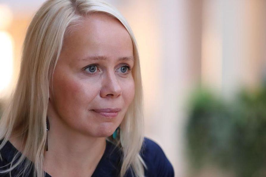 Finlandia-ehdokkuus on saanut Pauliina Rauhalan muistelemaan Synninkantajien kirjoittamisen eri vaiheita. Kirjailija sanoo, että matka ei ollut helppo.