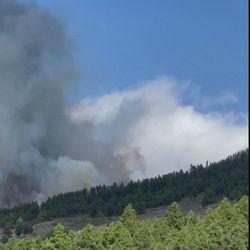 La Palman saarella purkautuu tulivuori
