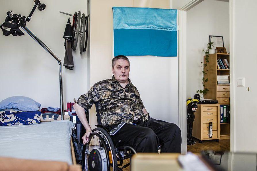Avustajan työ on monelle vain väliaikainen vaihe. Kun avustaja lähtee opiskelemaan tai muuttaa, vammainen joutuu rekrytoimaan uuden tilalle.