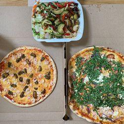 Syömässä: Kolme pizzaa kotiovelle puolessa tunnissa