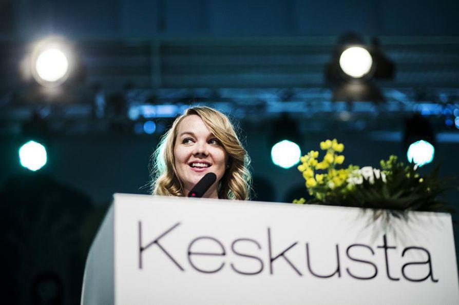 Pohjois-Pohjanmaan Keskustanaiset tukevat Katri Kulmunia puheenjohtajakisassa.
