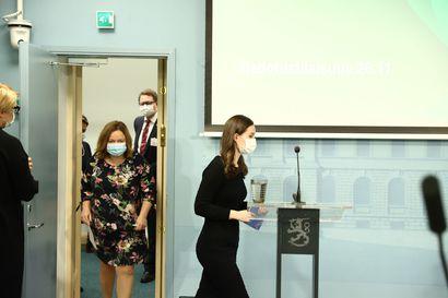Pääministeri Marin: Hallitus ei halua ryhtyä sakottamaan maskin käyttämättä jättämisestä