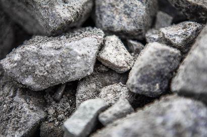 Lukijalta: Keskusta ajaa kaivosveroa Suomeen