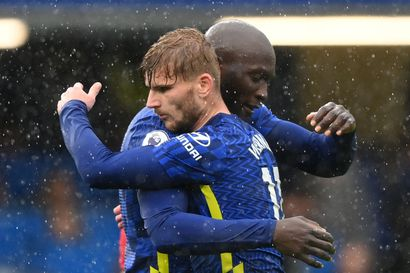 Chelsea sarjakärkeen, ManU jäi kotitasapeliin – Teemu Pukin Norwichin pistetili vihdoin auki