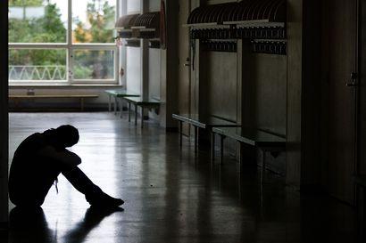 Tutkimus: Työn ja koulutuksen ulkopuolella olevat nuoret kokevat, että yhteiskunta auttaa heitä väärin – tyytymättömiä etenkin seksuaali- ja sukupuolivähemmistöt