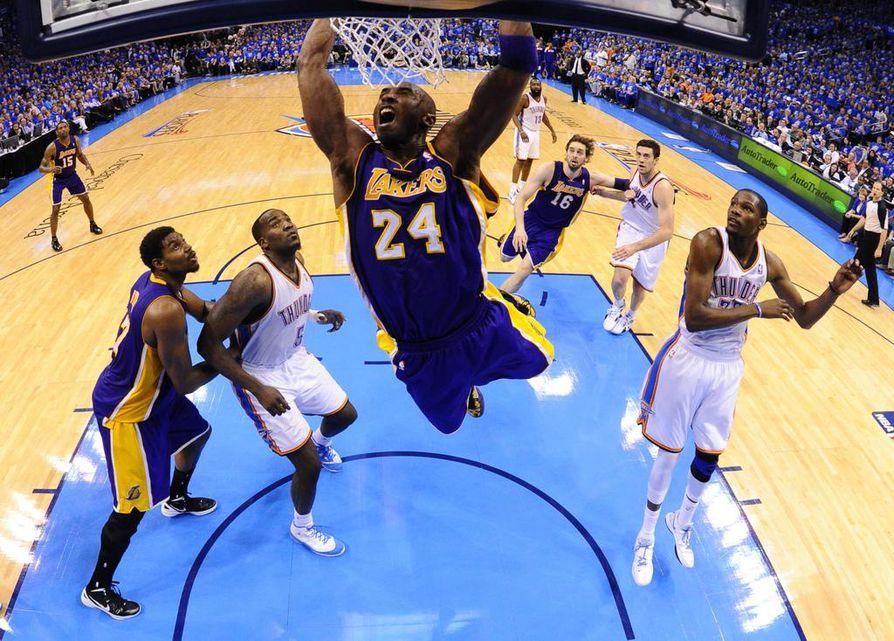 Kobe Bryant, pelinumeroltaan 24, oli yksi NBA:n kaikkien aikojen pelaajista. Hän on kaikkien aikojen pistetilaston neljäs, edellään Kareem Abdul-Jabbar, Karl Malone ja juuri hänet ohittanut LeBron James.