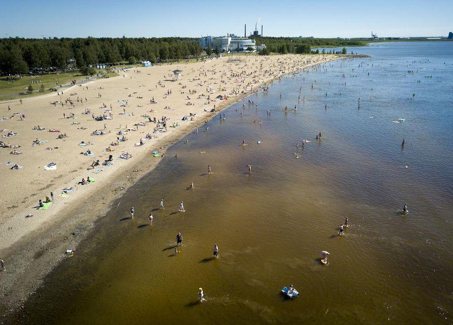 Oulun kaikkien virallisten rantojen vedet täyttivät uimarantavedelle asetetut laatuvaatimukset indikaattoribakteerien osalta.