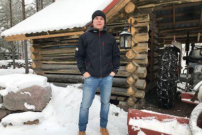 Oulaistelainen Otto Äijälä hakee ulkoilusta vastapainoa etäopiskelulle