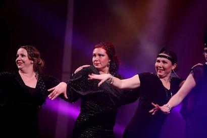 Funky Hallin syystanssit tanssittu – Naisvoimistelijoiden jumpat keskeytettiin