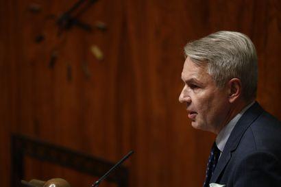 Oikeuskansleri ei ryhdy toimenpiteisiin Haavistosta tehdyissä al-Hol-kanteluissa – asia tutkittavana perustuslakivaliokunnassa