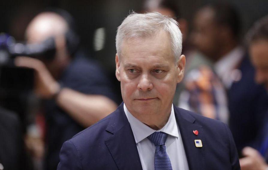 Antti Rinne (sd.) toivoo hallituksen sisäisen julkisen kädenväännön rauhoittuvan. Arkistokuva.