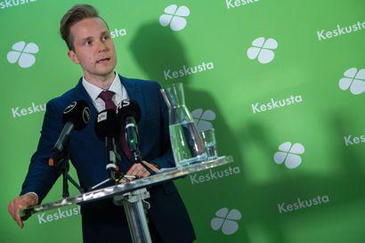 Kritiikki koronan torjunnan johtamiseen yltyy – keskustan varapuheenjohtaja ihmettelee sooloilua hallituksessa