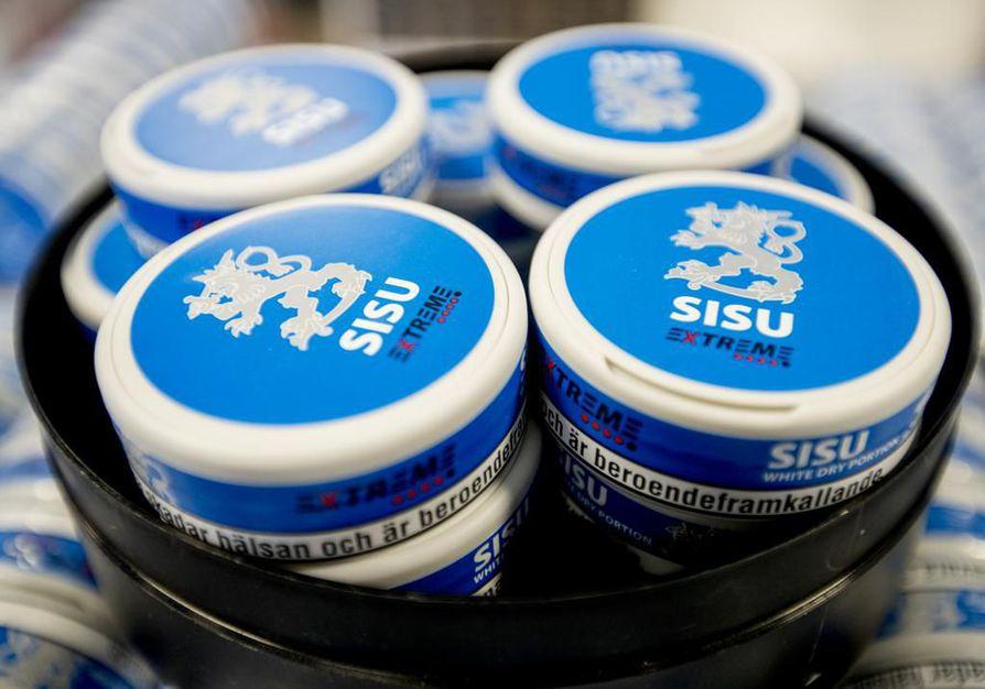 Tupakkatuotteiden kuten nuuskan mainonta on Suomesssa kiellettyä, mutta Kärppien kotihallissa näytetty mainos ei rikkonut sosiaali- ja terveysalan valvontavirasto Valviran mukaan lakia.