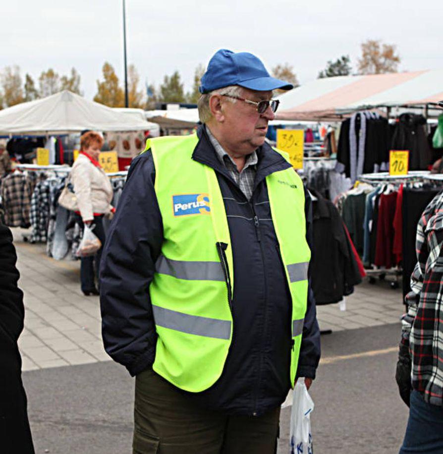 Kajaanilainen ex-kansanedustaja Pentti Kettunen olisi valmis ministeriksi. Kettunen vieraili Raahessa lokakuun alussa.