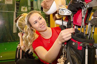 Torniosta maailmalle lähtenyt Linda Henriksson golfasi ensimmäisen reikäpelin Suomen mestaruutensa ja pohtii paluuta Yhdysvaltain kakkostason kilpailuihin