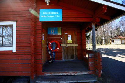 Torstaina pääsee Raahessa avantouintipaikan pukuhuoneeseen – Myös muilla liikuntapaikoilla siirrytään kohti normaalimpia aikoja