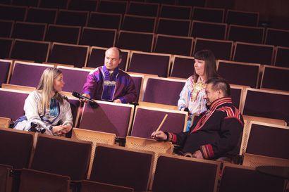 Erityinen yötön yö – Alkuperäiskansojen musiikkifestivaali Ijahis idjan poikkeuksellinen konserttilähetys toi esitykset Inarin estradilta suorana kotiin