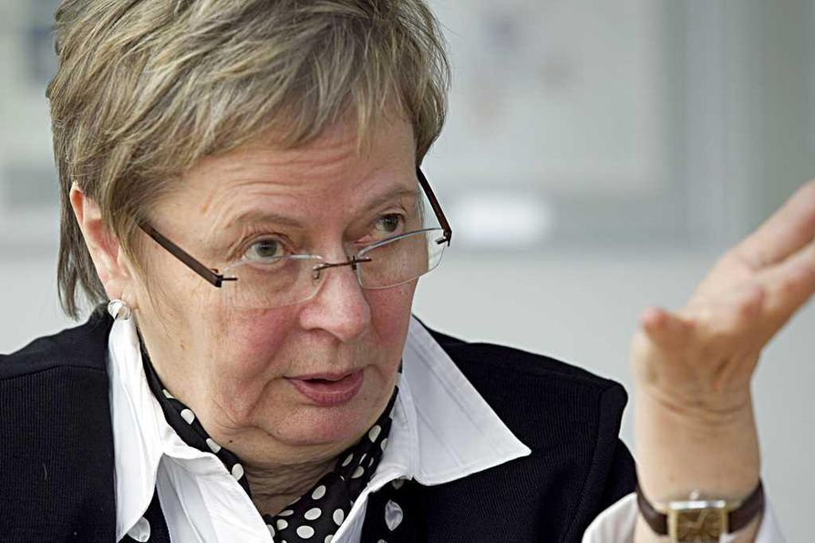 Liisa Jaakonsaari (sd.) on oululainen europarlamentaarikko.