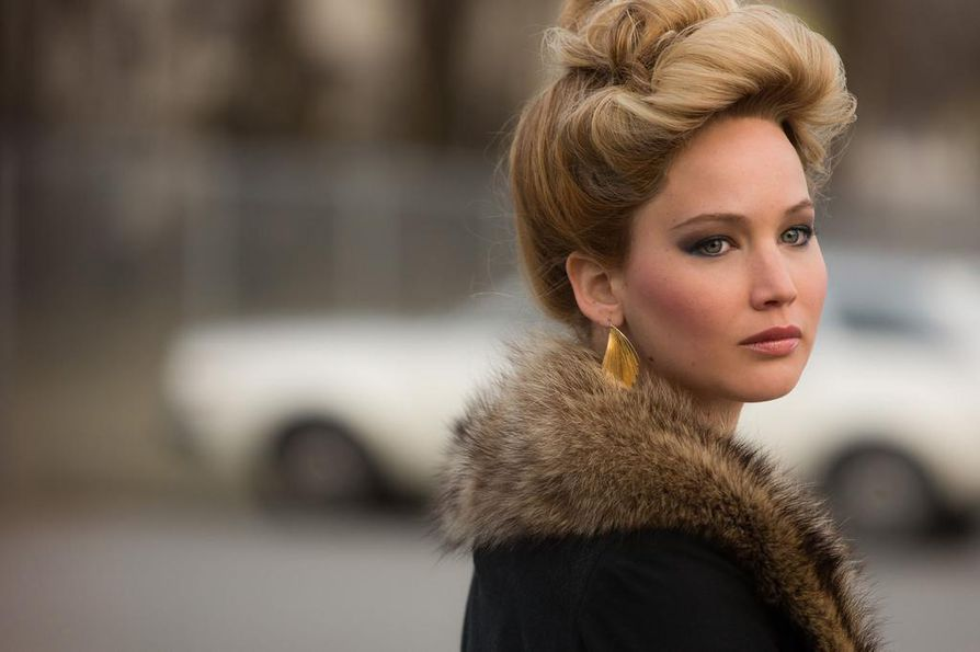 Jennifer Lawrence on Rosalyn Rosenfeld American Hustle -elokuvassa, joka perustuu tositapahtumiin. Se sai kymmenen Oscar-ehdokkuutta.