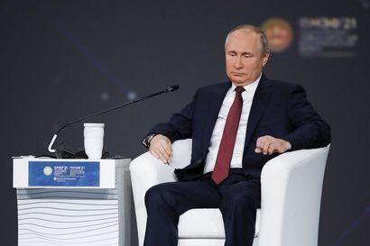 Kansalaisyhteiskunta musertuu Venäjällä, jonka johdon tärkein tavoite näyttää olevan omien asemien turvaaminen